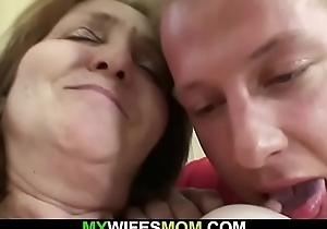 Baffle fucks girlfriends mother superannuated pussy