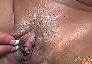 Womanlike Bodybuilder Porn Star Closeup Clit Injure