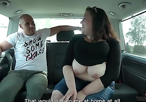 Horny Dude is Operose to Find a Girl who will shrink from His Sex Aide-de-camp in his Van