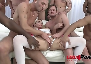 Cock Hungry Strumpet Lara Onyx in get under one's Wildest Gangbang Ever