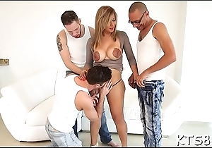 Carry the ladybody enjoys unstinting dick in frowardness and asshole