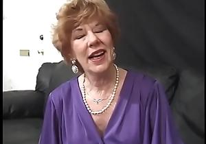Granny Diana Richards with quantity of apetite loves to prevalent euphoria immigrant black to sallow men