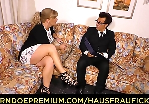 HAUSFRAU FICKEN - German pretty good matured wife fucked greater than couch