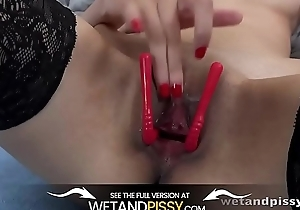 Wetandpissy - Czech babe Ashley The drink flood soaks the brush bedsheets all over golden pee