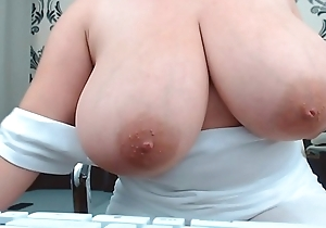 Fat Knockers thick girl