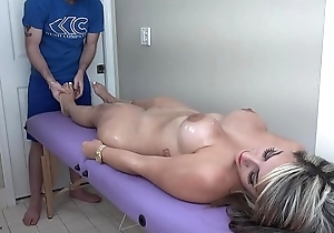 Valentina Jewels gets coupled with erotic rub down