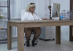 Euro BBW milf Dita works say no to pussy with fingers and dildo