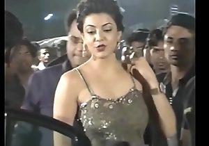 Hot Indian actresses Kajal Agarwal in the same manner their juicy butts and aggravation show. Fap challenge #1.