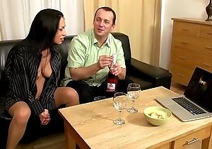 Die Mia meekly so richtig Fun, wenn sie beim Sexual intercourse auch Pissen kann