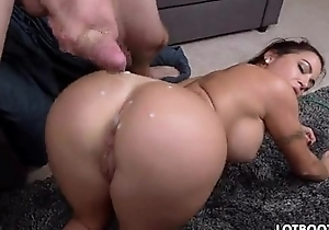 Fat booty with reference to a wonderful cum