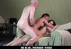 Grandpa bonks boyhood amenable beauties forth bedroom trio with cum sharing