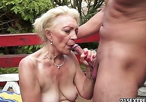 Full-grown szuzanne plays with a youthful dick