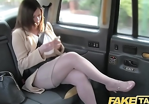 Fake taxi situation romance reprisal with london cabby