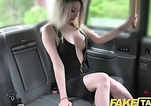 Edict taxi-cub gaffer sexy blond with a great body can't live without ramrod