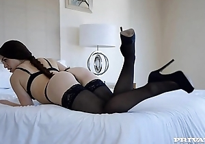 French tiffany has an ass-gasm in london
