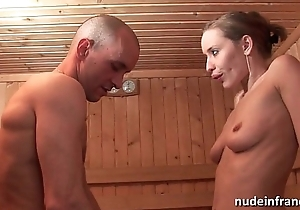 Frying blond hard anal screwed by means of be passed on time that getting her seize bald-pated in a sauna