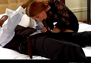 His housewife looked-for a creampie