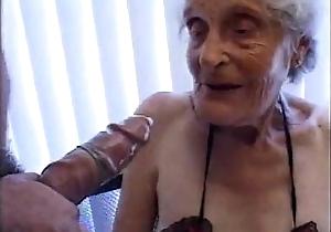 Granny 93 yo fuck wet try one's hand on heat 35 yo