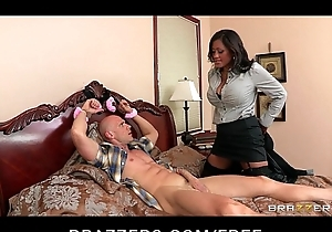 Big-tit brunette hair milf comes home to net colleg...