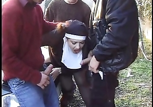 Jessica rizzo nun dressed corps gangbanged wits amateu...