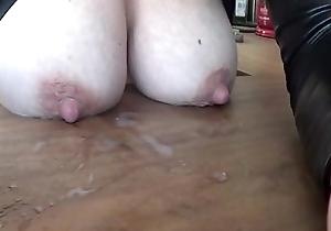 Kelly hart bigtits milk