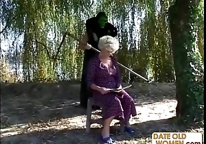 Granny receives a mission foreigner masked ladies'