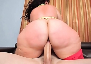 Phat duff bbw plumper knows how at hand ride