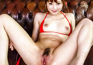 Sultry Maomi Nagasawa squirts discerning after hardcore dildoing
