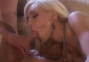 Two horny stallions fuck glamorous bitch atop the siamoise