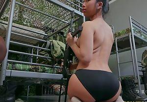 Two gorgeous army babes shacking up around strap-on dildo