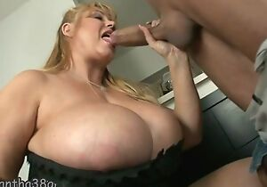 Fat mature with nice-looking huge boobs gets fucked sufficiently