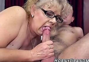 Spex grannies face jizzed